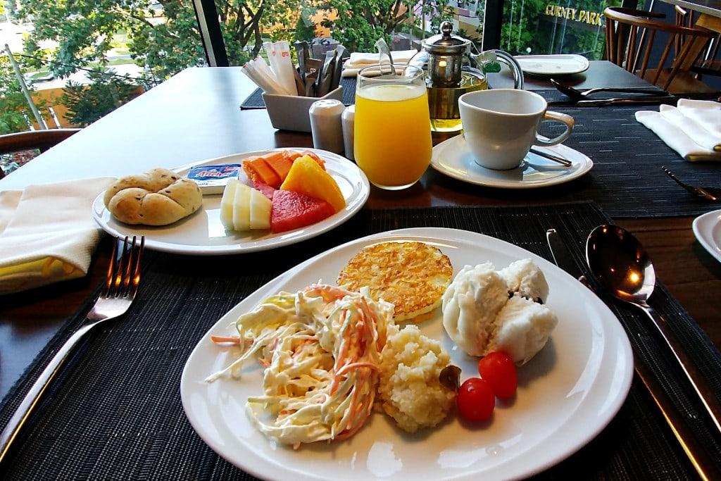 G Hotel Kelawai Frühstück