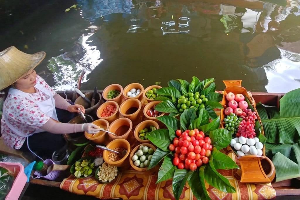 Bangkok Taling Chan Floating Market
