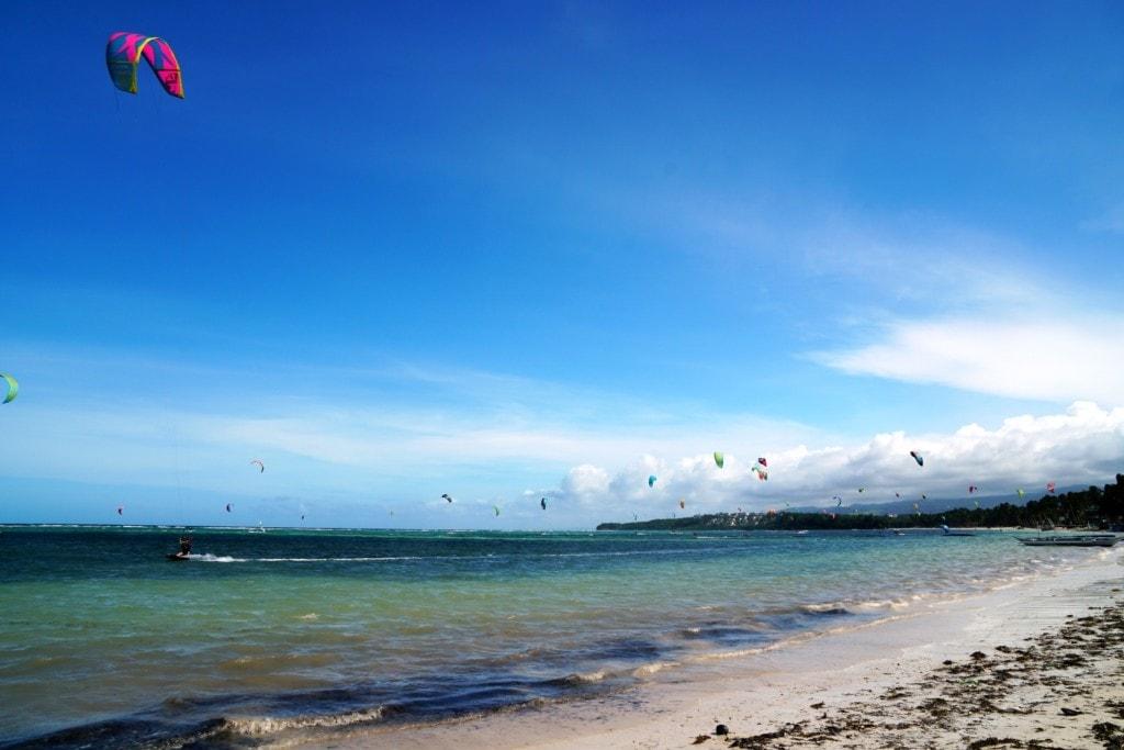 Kitesurfer Bulabog Beach
