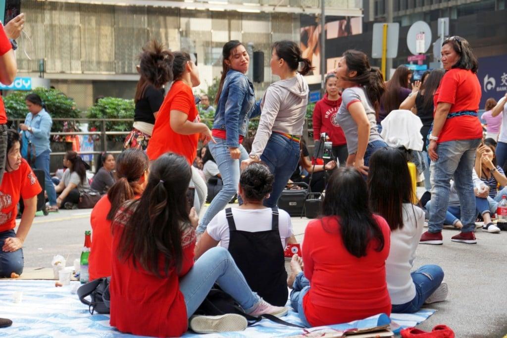 Maids Day off tanzen