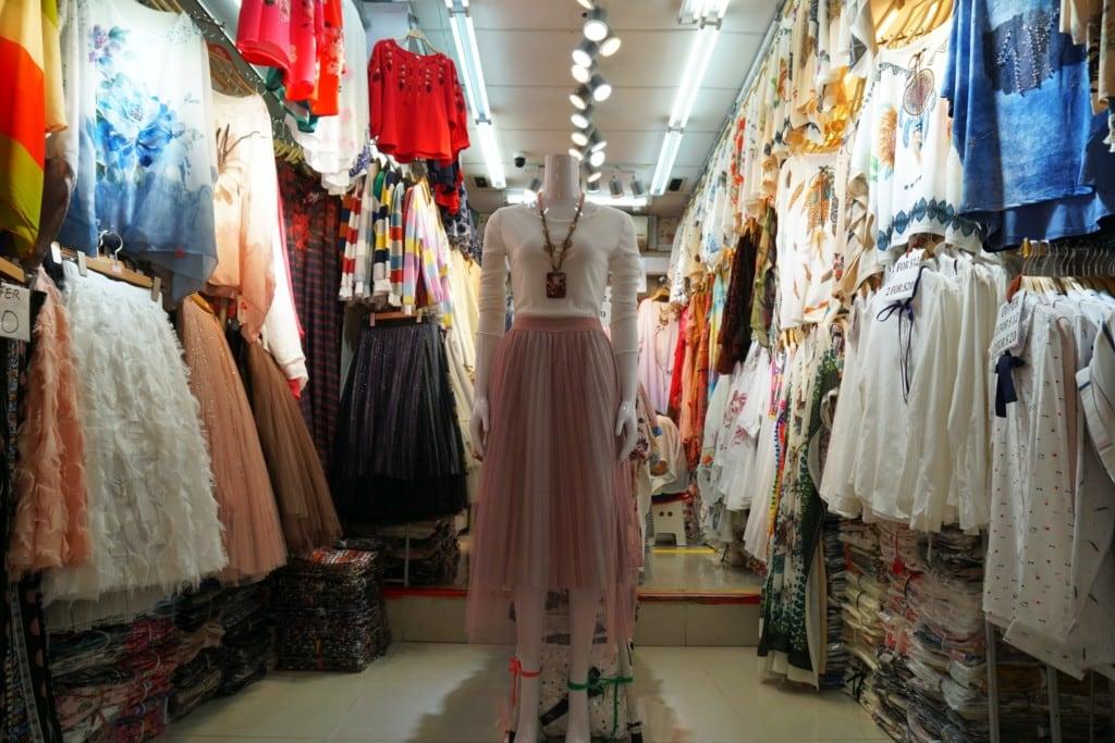 Bugis Street Market Kleidung