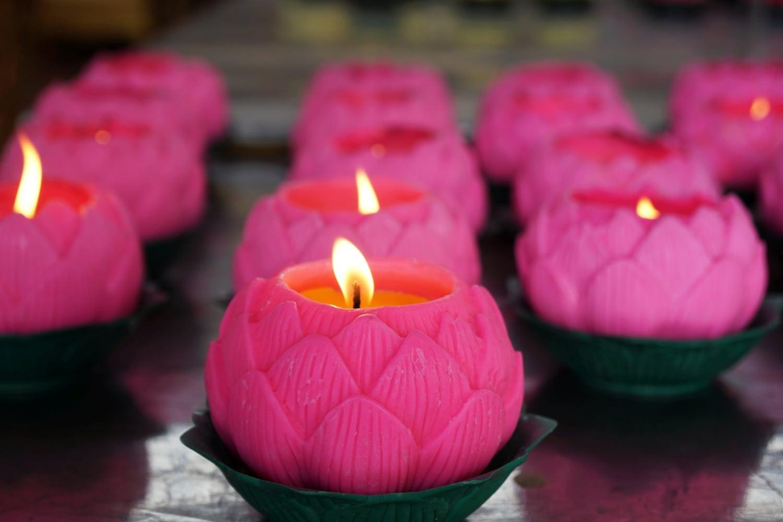 Wat Chaiyamangalaram Lotuskerzen