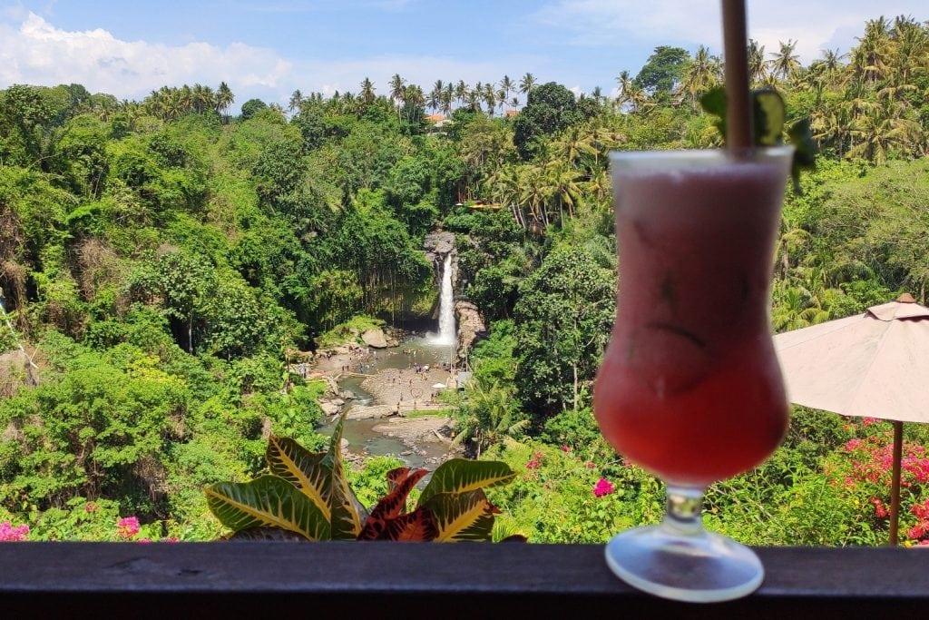 Bumbu Asli Aussicht auf den Wasserfall