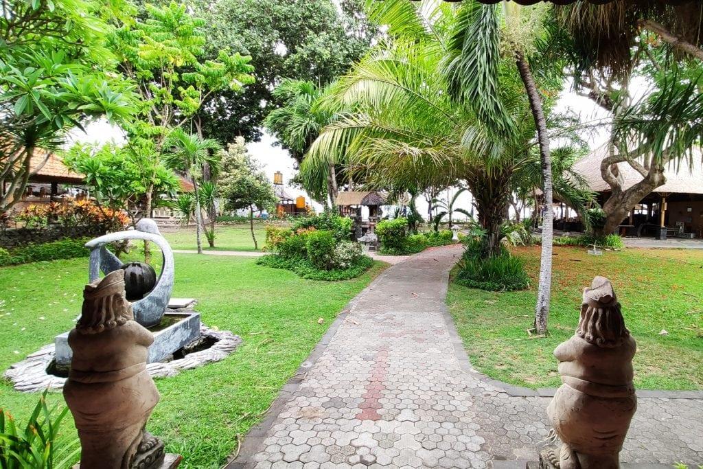 Inna Sindhu Beach Hotel
