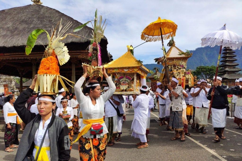 Pura Ulun Danu Bratan Prozession