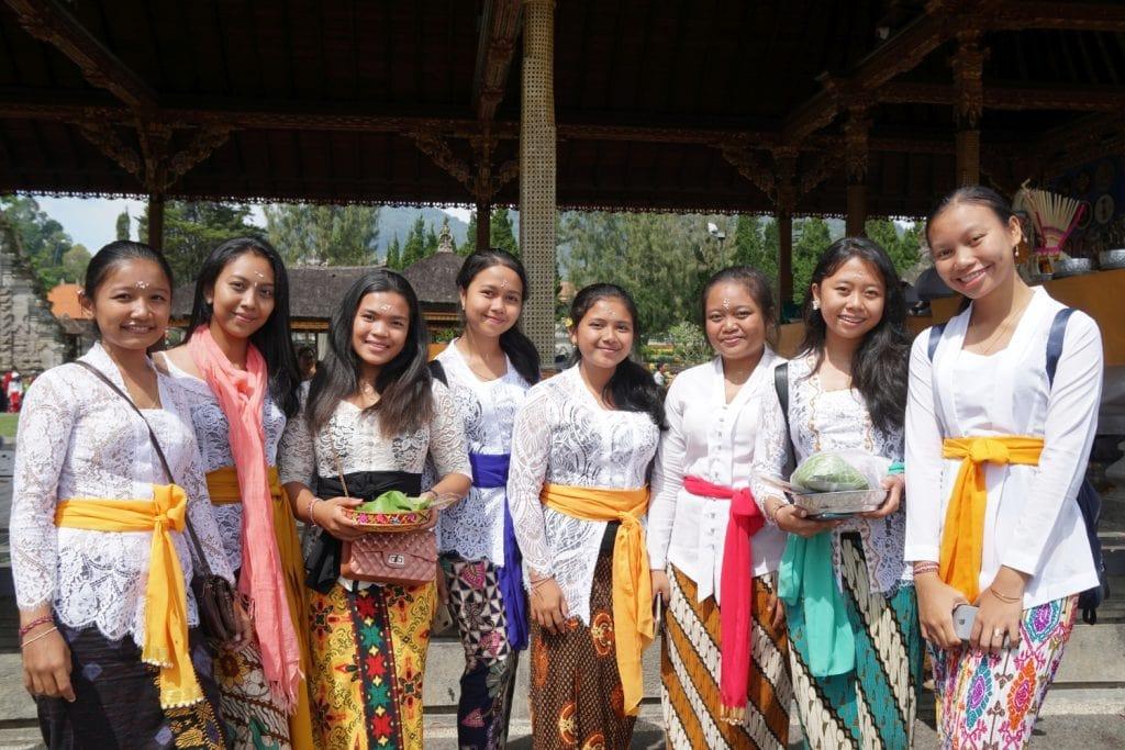 Traditionelle balinesische Kleidung