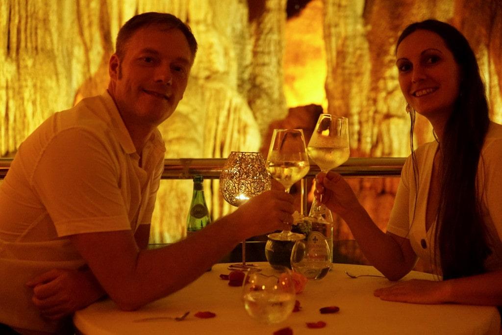 Dinner in Höhle