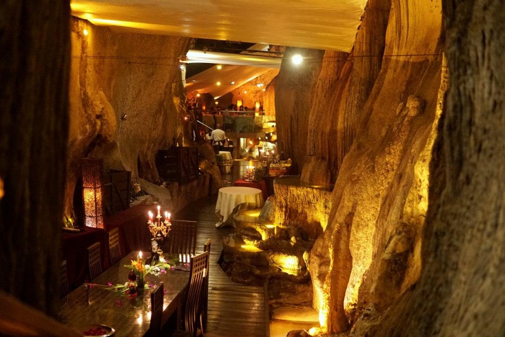Dinner in Tropfsteinhöhle