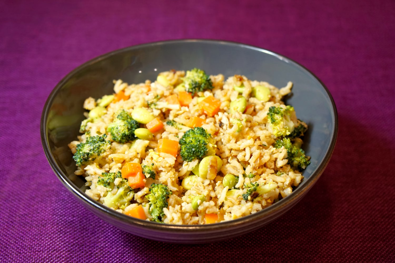 Rezept gesunder Gemüsereis mit Ei